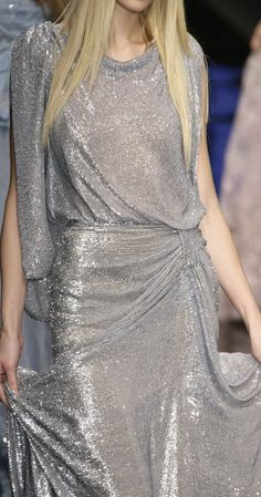 ELIE SAAB---hermoso! Gorgeous silver cocktail dress