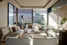 Love homes like this when all the sun coming in during the day an then u can see all the city lights at night.