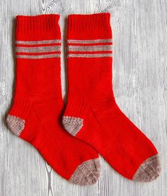 Whit's Knits:  Men's free sock pattern- knit and donate to someone in need.