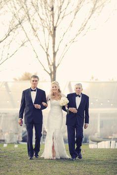 Rustic+classic+traditional+black+tie+platinum+wedding+bride+groom+rowing+country+club+purple+modern+succulents+succulent+centerpieces+lighting+lights+Gideon+Photography+18.jpg 600×900 pixels