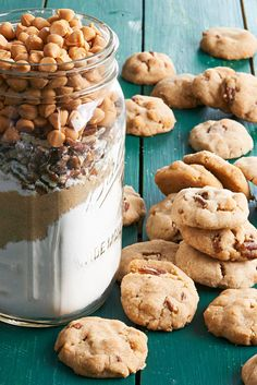 For a full-flavor holiday treat, you can't go wrong with this cookie mix in a jar. Pecans and butterscotch pieces mix nicely in rich shortbread bites. #cookiesinajar #masonjargifts #christmasgiftideas #christmasgiftsforfriends #holidaybaking #bhg Mason Jar Cookie Recipes, Cookie Mix Jar, Mason Jar Cookies, Mason Jar Meals, Meals In A Jar, Jar Recipes, Mason Jars, Sweet Recipes, Cooking Recipes
