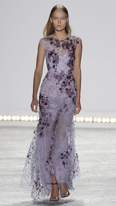 Monique Lhuillier Spring/Summer 2015 via @stylelist  Look at this Miss N, so pretty!