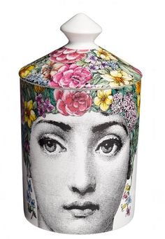 -Fornasetti Profumi - Flora di Fornasetti  TOP NOTES: Ivy, Lily of the Valley, white rose  MIDDLE NOTES: Iris, orange blossom, jasmine  BASE NOTES: Tuberose, sandalwood, musk  OLFACTIVE GROUP: Floral  PERFUMER: Emmanuel Philip
