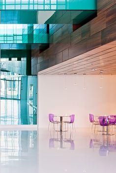 Sauflon Centre of Innovation | Foldes Architects | www.foldesarchitects.hu | #innovation #centre #architecture #interior #glass #wood #reflection #cafe