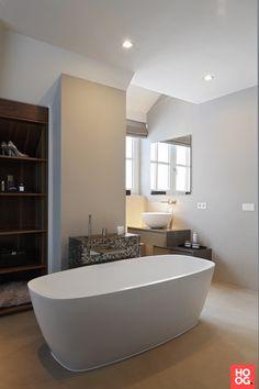 Badkamer design met houten badkamermeubel | badkamer ideeen | design ...