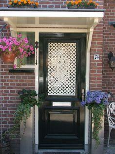 Front Door Entrance, Main Entrance, Front Doors, Holland, Side Door, Interior Inspiration, Garage Doors, New Homes, Stairs