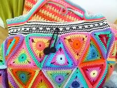 The 8th Gem: Triangle bag is finished...