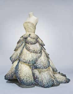 "Christian Dior, Evening dress, ""Junon"" Fall-Winter 1949. Paris. Via FAMSF"