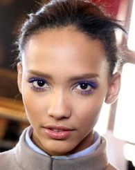How to wear colorful mascara.