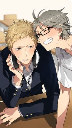 Tsukishima Kei and Sugawara Koushi with Tsukkis glasses - Haikyuu! Manga Haikyuu, Haikyuu Tsukishima, Sugawara Koushi, Haikyuu Funny, Haikyuu Fanart, Haikyuu Ships, Hinata, Anime Meme, Kuroko