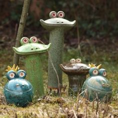 Garden ceramics I love frogs! Ceramics Projects, Clay Projects, Clay Crafts, Slab Pottery, Ceramic Pottery, Pottery Art, Pottery Painting, Pottery Animals, Garden Animals