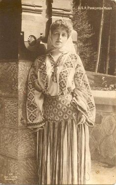 Queen Marie of Romania wearing a traditional costume Queen Mary, King Queen, Michael I Of Romania, Romanian Royal Family, Central And Eastern Europe, Folk Costume, Ferdinand, Queen Victoria, Royal Fashion