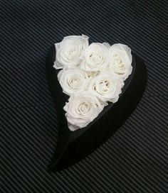 Πρόσφερε το ομορφότερο δώρο για εκείνον η εκείνη την γιορτή του Αγίου Βαλεντίνου με υπέροχα λουλούδια. Ρομαντικά δώρα λουλουδιών για ερωτευμένους που ξέρουν πώς να εντυπωσιάσουν.