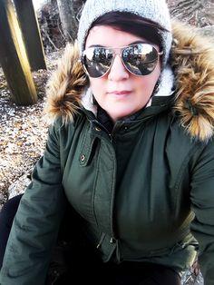 LOOK PER UNA GIORNATA IN MONTAGNA Passare una giornata in montagna camminando tra i boschi non è una scusa valida per rinunciare allo stile… almeno per me. Comoda e pratica si, ma sempre con qualche dettaglio a fare la differenza, in fondo la moda non è questione di dettagli?