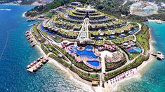 Cu peisaje paradisiace 🌅, servicii și facilități de top, unități de cazare luxoase 🛋 și o plajă frumoasă cu nisip 🏖, #hotelVizitat BE PREMIUM 5* 🕌 din uimitoarea stațiune #Bodrum, este una dintre cele mai bune alegeri ✔️ atunci când vorbim despre vacanțe de lux în #Turcia 💕 Oaspeții se bucură de un centru SPA modern 🧖♀️, loc de joacă pentru copii și 8 restaurante 🥗. Camerele sunt elegante și au balcon cu vedere la mare 🌞 Profită de… Beach Hotels, Hotels And Resorts, Luxury Hotels, Paramount Hotel, Hotels In Turkey, Travel Expert, Vacation Places, Vacations, Luxury Travel