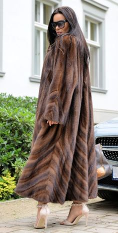 Royal Mink Fur Long libertin manteau classe de Sable Chinchilla Fox veste gilet marron