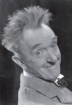 Stanley Stan Laurel - 6 16 23 1965 Actor Writer Comedian Entertainer Film Director He s known for the comedy Laurel and Hardy He died after suffering a Heart Attack age 74 Born Arthur Stanley Jefferson Hollywood Stars, Classic Hollywood, Old Hollywood, Laurel Et Hardy, Stan Laurel Oliver Hardy, Stars D'hollywood, Film Director, Famous Faces, Funny People