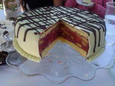 Jaroslava Lilková Bogorová nám  poslala  recept  na  Punčový  dortík....