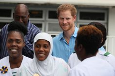 Prince Harry Photos Photos - Prince Harry meets staff at the Queen Elizabeth Hospital on November 30, 2016 in Bridgetown, Barbados. - Prince Harry Visits The Caribbean - Day 10
