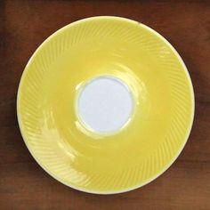 soucoupe jaune vintage - 2€ --> lecitrongrivre.com