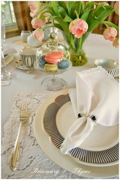 Couples dinner table setting that would make for a fun date. This ...