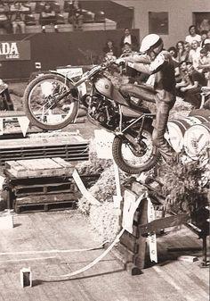 Vintage Motocross, Vintage Motorcycles, Cars And Motorcycles, Off Road Bikes, Dirt Bikes, Motos Trial, Trial Bike, Motorcycle Types, Bike Rider