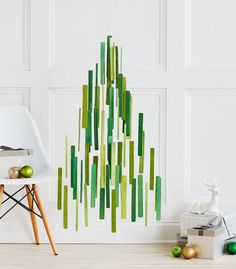 DIY Giant Christmas Tree Mobile | Confetti Pop for Curbly (images: Michael Haug)