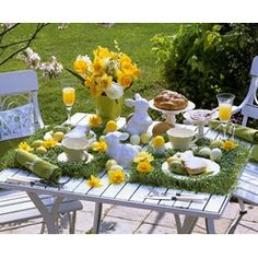 Easter Breakfast - Table Decoration  #Easter #Breakfast Ideas