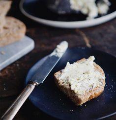 Trempette idéale pour crudités - Trois fois par jour Salsa, Crudite, Chips, Vinaigrette, Feta, Dairy, Cheese, Onions, Side Dishes