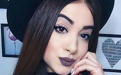 Blogueira mostra segredo para ter cabelos enormes em um mês