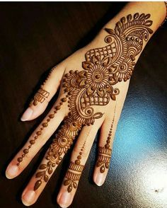 Latest Full Hand Pretty Mehndi Designs For Brides - Hennna - Henna Designs Hand Henna Tattoo Designs Simple, Finger Henna Designs, Back Hand Mehndi Designs, Henna Art Designs, Mehndi Designs 2018, Mehndi Designs For Girls, Wedding Mehndi Designs, Mehndi Designs For Fingers, Beautiful Henna Designs
