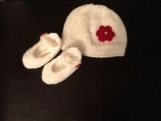 Newborn hat and shoes