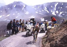 Marc0 Pantani on the attack in 1999. Hell yeah!!