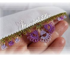 This Pin was discovered by mel Crochet Borders, Crochet Patterns, Arts And Crafts Projects, Diy And Crafts, Needle Lace, Bargello, Crochet Trim, Loom Beading, Tatting