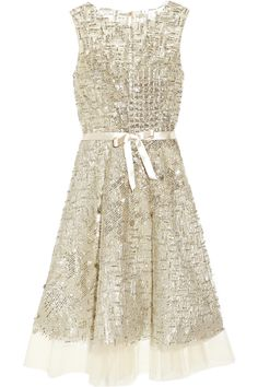 Oscar De La Renta Embellished Tulle Dress in Silver (champagne)