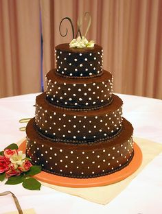 Most bakeries that created recipe for Italian wedding cake are