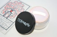 KireiKana: Розсипчаста мінеральна пудра MakeUpMe loose mineral powder