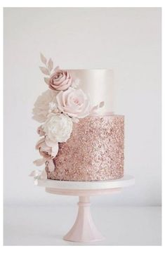 Rose gold sequins and blush flowers today for Sola. Hope you enjoy your party at Coombe Abbey x Rose gold sequins and blush flowers today for Sola. Hope you enjoy your party at Coombe Abbey x Beautiful Wedding Cakes, Beautiful Cakes, Perfect Wedding, Romantic Wedding Cakes, Luxury Wedding Cake, Amazing Cakes, Sparkly Wedding Cakes, Bling Wedding, Formal Wedding