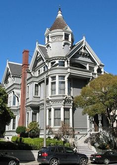 Then, Now & Forever® - The Victorian Era Color Collection Haas-Lilienthal home 1886 San Francisco Victorian Style Homes, Victorian Era, Victorian Architecture, Architecture Design, Victorian Buildings, Historic Architecture, Beautiful Buildings, Beautiful Homes, Monuments