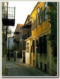Old town of Xanthi Invisible Cities, Greek Beauty, Paros, English Countryside, Nature Scenes, Old Town, Greece, Beautiful Places, Exterior