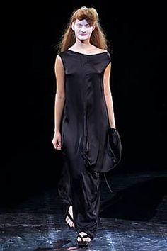 Yohji Yamamoto Spring 2001 Ready-to-Wear Fashion Show - Zdenka Barcalova (NATHALIE), Yohji Yamamoto