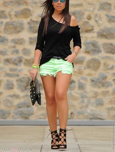 Verde menta y sandalias con amarras
