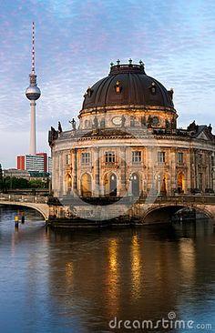 Znalezione obrazy dla zapytania obrazy berlin