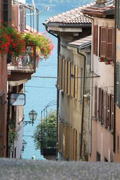 Cannobio,Italy (by Raphael Schmid)