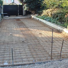 Concrete Patio Designs, Concrete Slab, Stone Garden Paths, Garden Stones, Cobblestone Driveway, Driveway Design, Outdoor Living, Outdoor Decor, Sidewalk