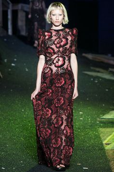 Marc Jacobs Spring 2014 RTW, Brillian and creative show. I felt like I was in one of the Tim Burton's movies.