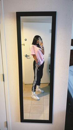 Best Picture For emo skater girl outfits For Your Taste You are looking for something, and it is goi Cute Lazy Outfits, Casual School Outfits, Teenage Outfits, Tomboy Outfits, Chill Outfits, Tomboy Fashion, Teen Fashion Outfits, Swag Outfits, Mode Outfits