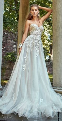 Unique  ideas for fall wedding dress trends