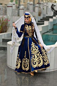 Crimean Tatar girl in traditional costume. Turkish Fashion, Ethnic Fashion, Traditional Fashion, Traditional Dresses, Crimean Tatars, Mode Man, Costumes Around The World, Ethnic Dress, Folk Costume