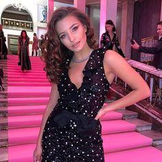 Julia Wieniawa-Narkiewicz (@juliawieniawa) • Zdjęcia i filmy na Instagramie Instagram, Dresses, Fashion, Gowns, Vestidos, Moda, Fashion Styles, Dress, Fashion Illustrations